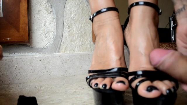 Feet sexy milf Large HD