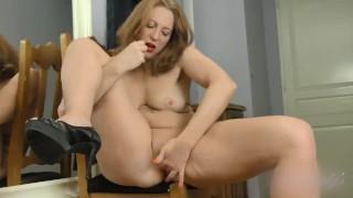 Marta Upskirt High Heels Masturbation