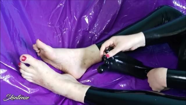 Porn toe socks Socks: 27,108