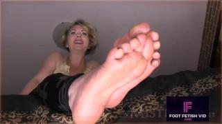 Mistress T Mommy Feet tease JOI