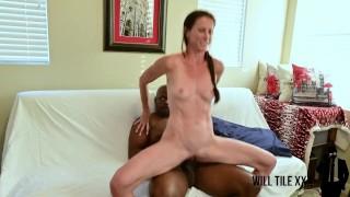 Super fit tall milf takes huge dick on webcam for cumshot