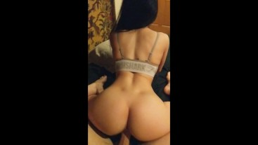 Gymshark girl with perfect ass loves riding his big cock - Amateur Saerosoh
