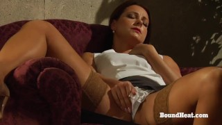 Facesitting Lesbian Slave