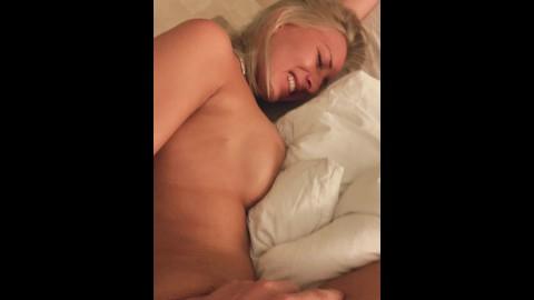 Amateur blonde fucked