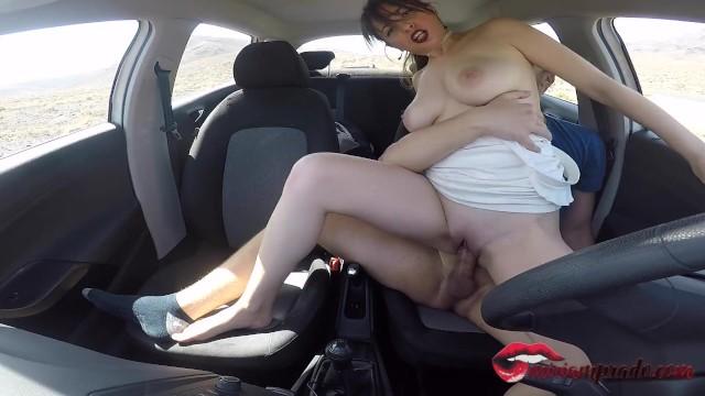 good blowjob he cums inside her pussy fucking in the car / Miriam Prado