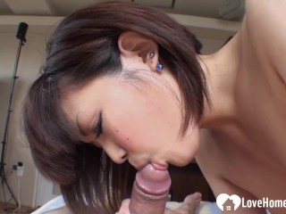 Seductive blowjob performance from a hot Asian chick
