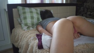 YOUNG STUDENT JERKING OFF IN THE DORM AND LOUDLY CUMS - DELUXEGIRL