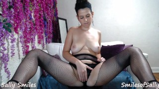 Employee Interviews for A Job by Being a Hard Working Slut PREVIEW
