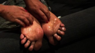 FM TICKLING! Milf tickle big male soles with feather, fingernails and oil1