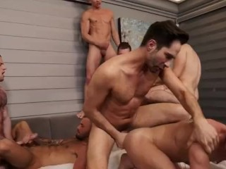 Unforgettable Bareback Orgy (Michael Lucas, Allen King & Others)
