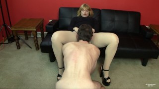 Amateur Tag-Team Video: Taking-turns turns fucking a MILF after a party