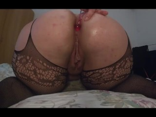 Big girl plays with her bbw ass