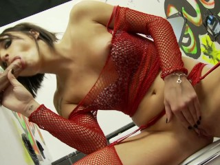 Petite Brunette´s Incredibly Sloppy Blowjob with fast small hands Gloryhole