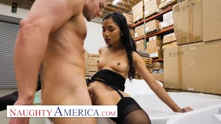 Naughty America - Avery Black seduces a married man