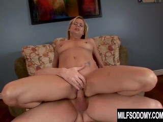 Blonde MILF Payton Leigh Gives Anal a Try After Filling Her Mouth and Pussy