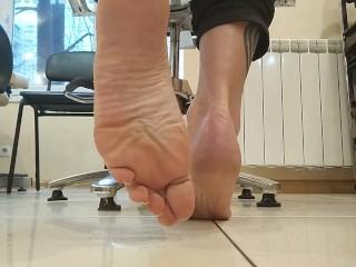 Seductive feet with long toes and natural nails - OlgaNovem