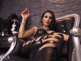 Mistress Kennya : Gorgeous leather Goddess preview