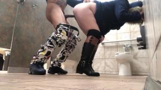 Light Skin Mandingo Bull Toilet Fuck Public Sex White Girl Bbc