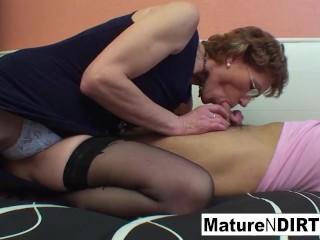 Mature slut gives a thumbs up to his fucking skills!
