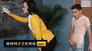 Brazzers - Big dick student ass fucks Jennifer White