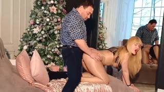 A hot luxury milf tastes a stranger's dick and approves to fuck her asshole