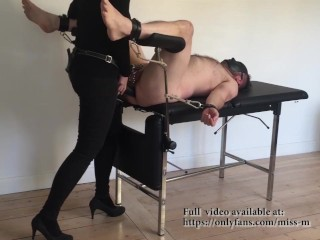 Miss M. impales slave p. with a 36 CM STRAPON…. BALLS DEEP!!