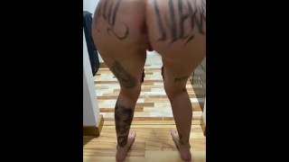 Bubble butt tattooed colombian ass twerk & Spread