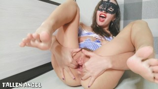 PUSSY BECAME A CREAMY AFTER A POWERFUL FIST AND GOT ORGASM WITH A SQUIRT