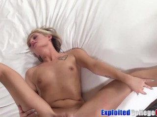 College babe Winter Bell riding cock in a car before facial