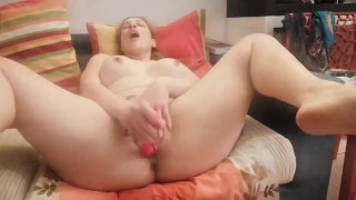 Italian chaturbate model squirting like a fountain (real amateur)