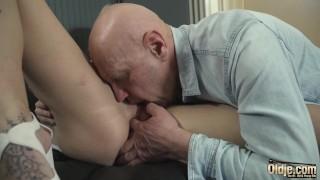Sexynurse gives handjob and blowjob to grandpa