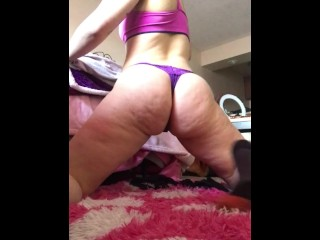 Ass Shaking and Stretching