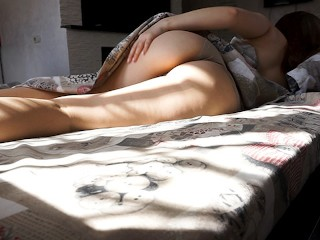 Woke up alone in the morning and allowed myself to cum