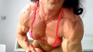 sexy fbb muscle girl flexing on webcam