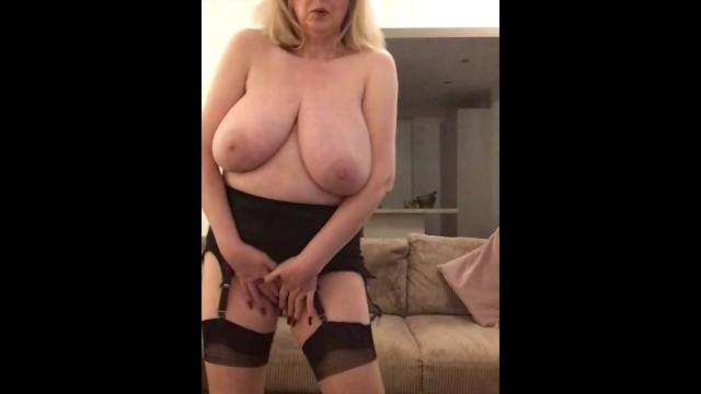 Woman pleasure doing fallatio