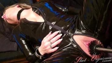 Slave Slut-Orgasma Celeste Latex-Catsuit toiled brush fuck
