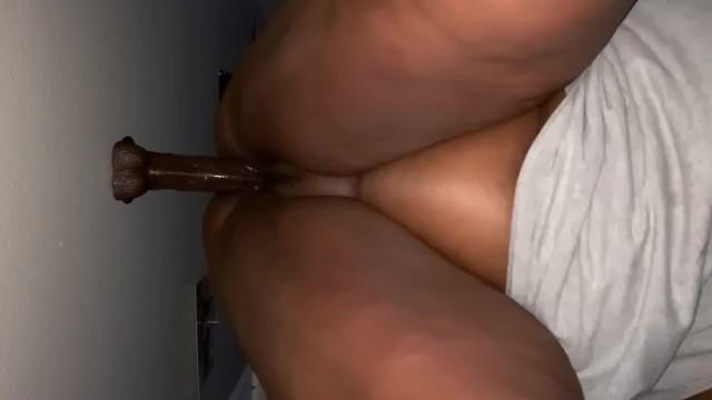 ebony bbw bouncing dildo