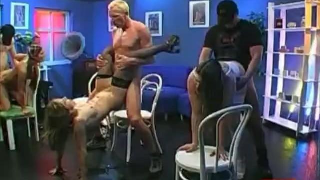 Треш Груповуха.Бабы в сперме,заёбаные мужиками по самый ХУЙ Thresh Grupovuh
