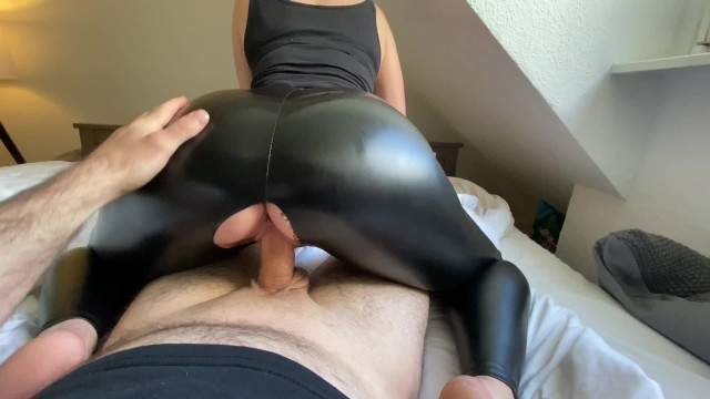 curvy amateur stepmom is fucked doggystyle and her leather ass cum covered