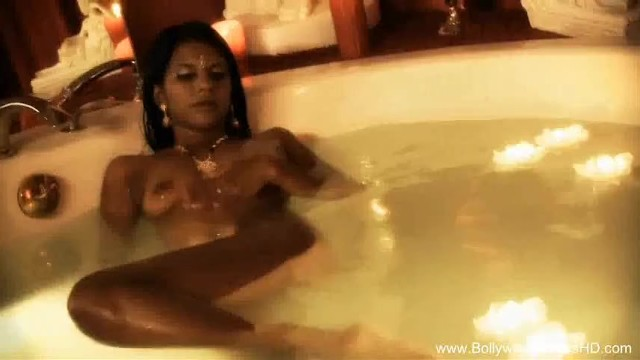 Indian MILF In The Sauna Is So Hot