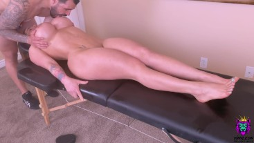 Hot Young Mom is Spoiled with a Tongue Massage and a Rough oily Anal