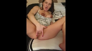 Self fingering. My daily morning masturbation. Do you like it? Comment pls.