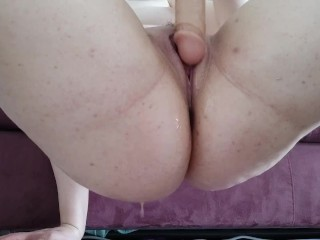 I play with my dildo and I can't stop squirting