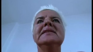 Oma Claudia Abgeschleppt (1)
