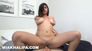 MIA KHALIFA - Arab Babe Suckin' & Fuckin' In The Bathroom