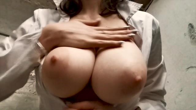 巨乳 pornhub