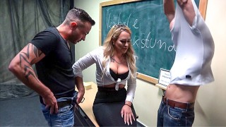 Teacher gets creampied by her students