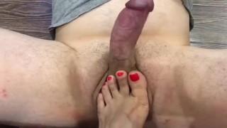 Footfetish sexy jerking off !