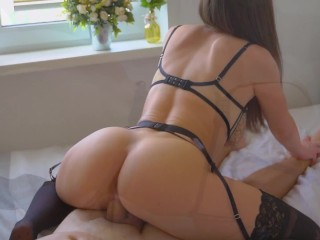 Morning Sex with 18 Year Old GF Fucked Doggystyle and Cum on Ass