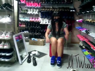 flashing in store, Exhibitionist Wife